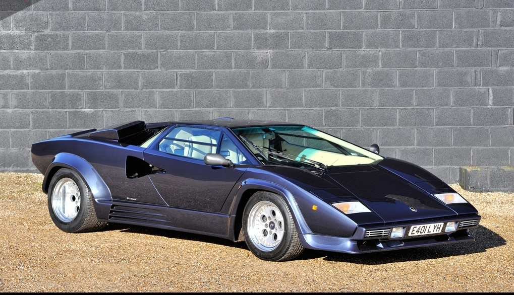 Only lamborghini-countach-in-acapulco-blue